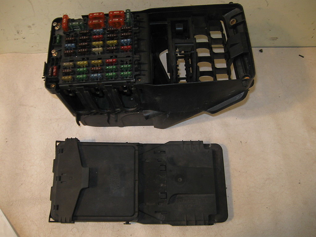 Fuse Box W140 Mercedes 300sd