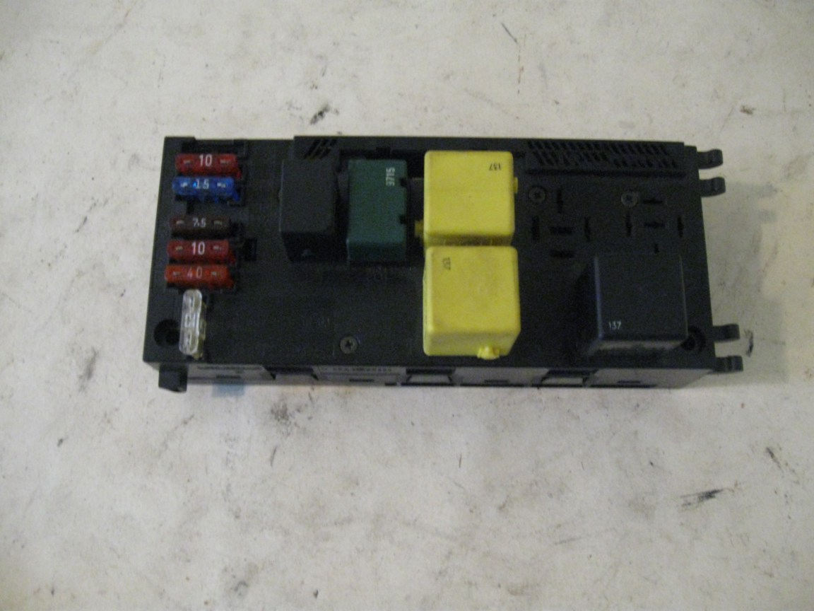 Fuse Box and Relays MB P/N 0025451901 Mercedes W210