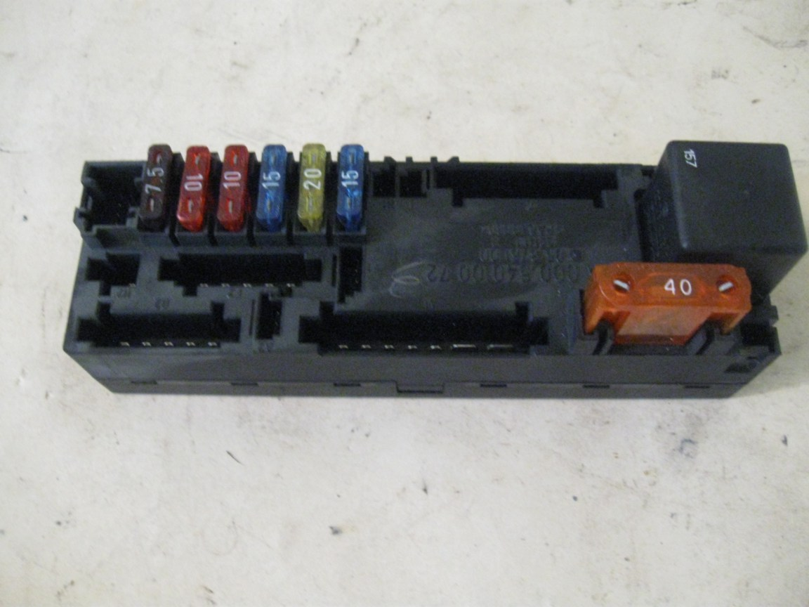 Overload Protection Relay & Fuse Box Mercedes W210 0005400072